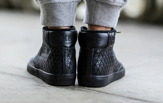 nike-sportswear-blazer-geometric-black-qs-2