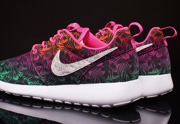 Nike-Roshe-Run-GS-Hot-Pink-Menta-Total-Orange-3