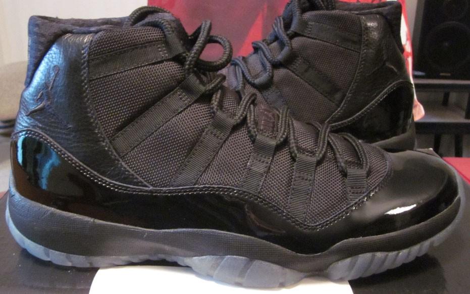 "Air Jordan 11 ""Blackout""2011年"