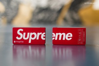 a-closer-look-at-the-supreme-x-mophie-power-reserved-1