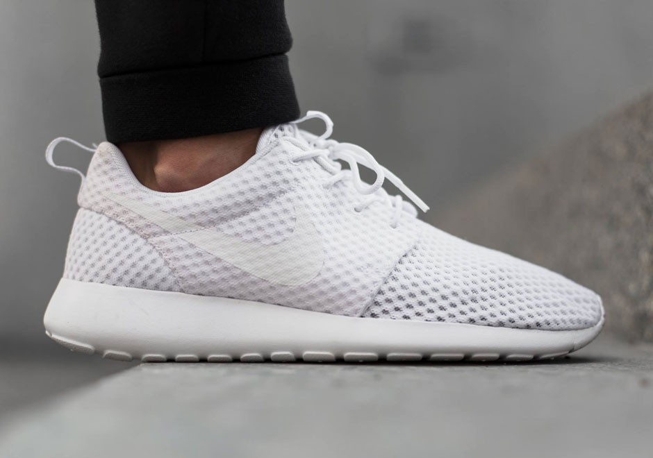 nike-roshe-run-breathe-white-wolf-grey-01