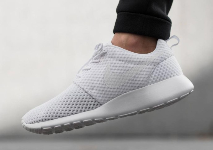 nike-roshe-run-breathe-white-wolf-grey-02