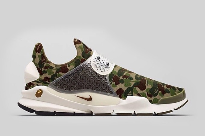 A BATHING APE x Nike Sock Dart