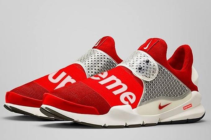 Supreme x Nike Sock Dark