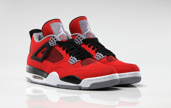 Air_Jordan_4_Retro_Fire_Red