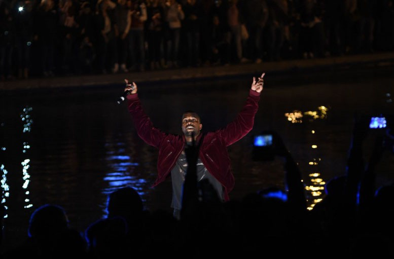 Kanye-West-Swan-Lake-4