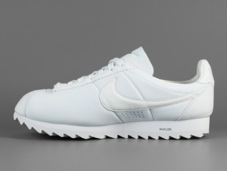 nike-cortez-classic-big-tooth-release-reminder-02-620x465