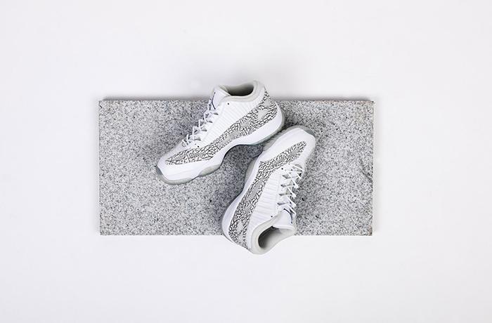 air-jordan-11-ie-retro-low-white-cobalt-01-960x640