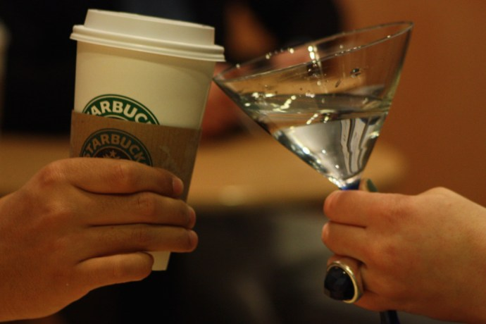 starbucks-offer-wine-and-beer-1