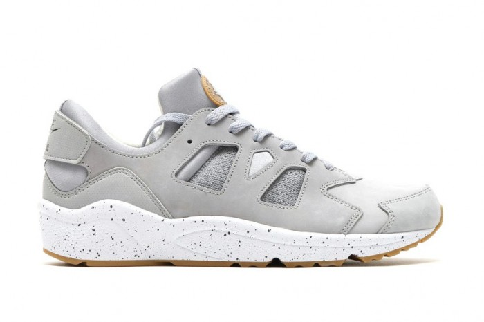 nike-air-huarache-international-wolf-grey-1