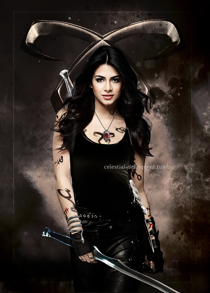 Emeraude-as-Isabelle-Lightwood-emeraude-toubia-38447887-718-1000