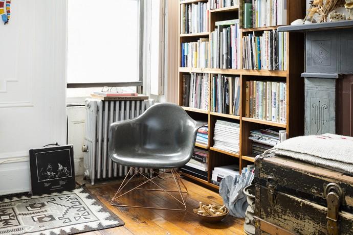 stussy-livin-general-store-modernica-elephant-fiberglass-arm-shell-chair-1
