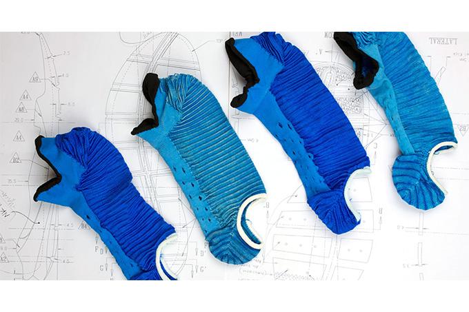 _0000_sock-dart-behind-the-design-2_thread_des
