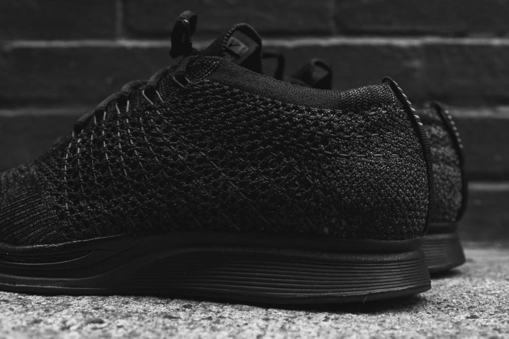 nike-flyknit-racer-triple-black-closer-look-31