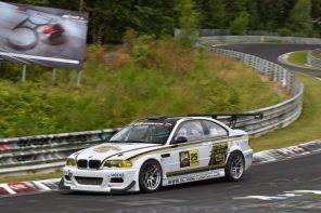老將不死!BMW 經典車型 E46 M3 紐柏林賽道單圈秒數超越保時捷、法拉利