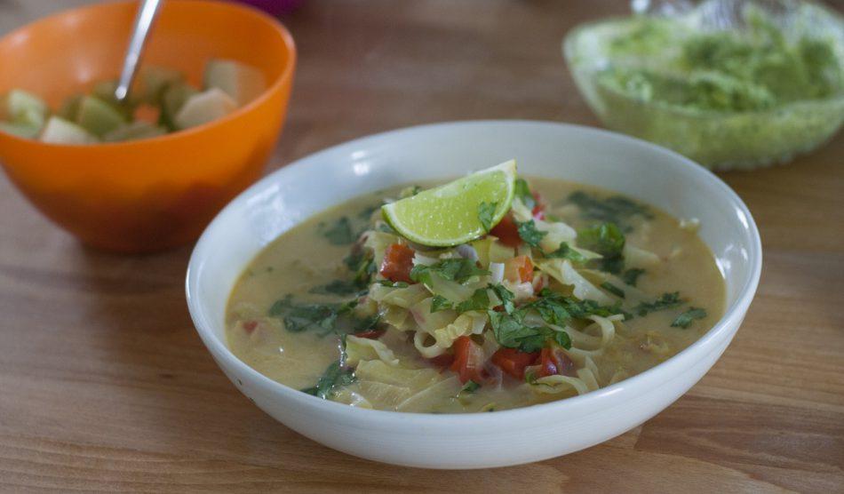 thaise noedel soep
