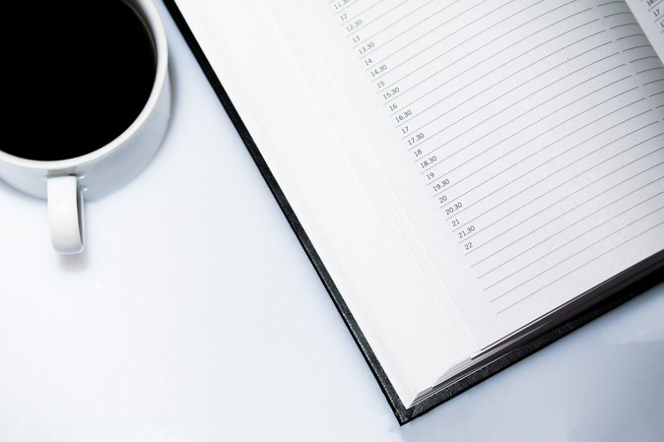 agenda en kop koffie