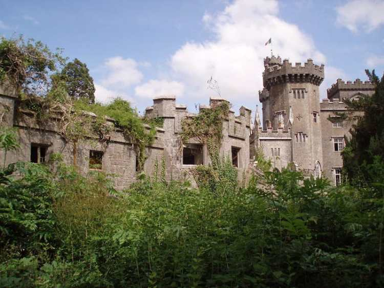 pic of Charleville Castle haunted castle