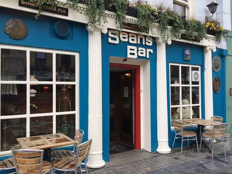 picture of oldest pub in ireland seans bar