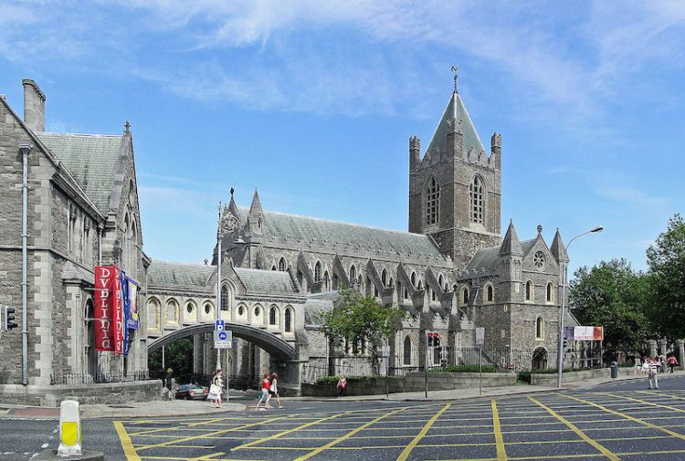 picture of oldest buildings in ireland