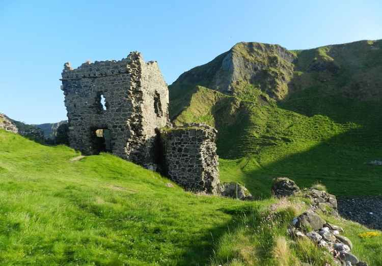 image of Kinbane Castle