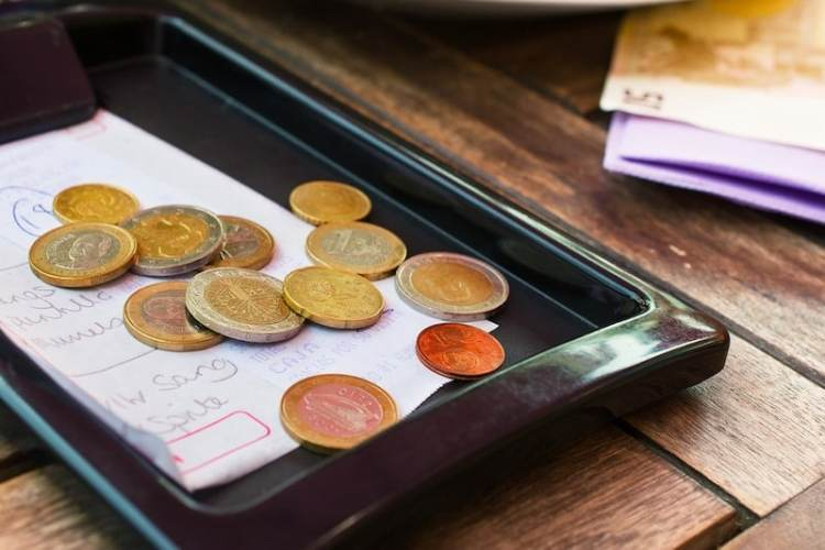 how much to tip in ireland
