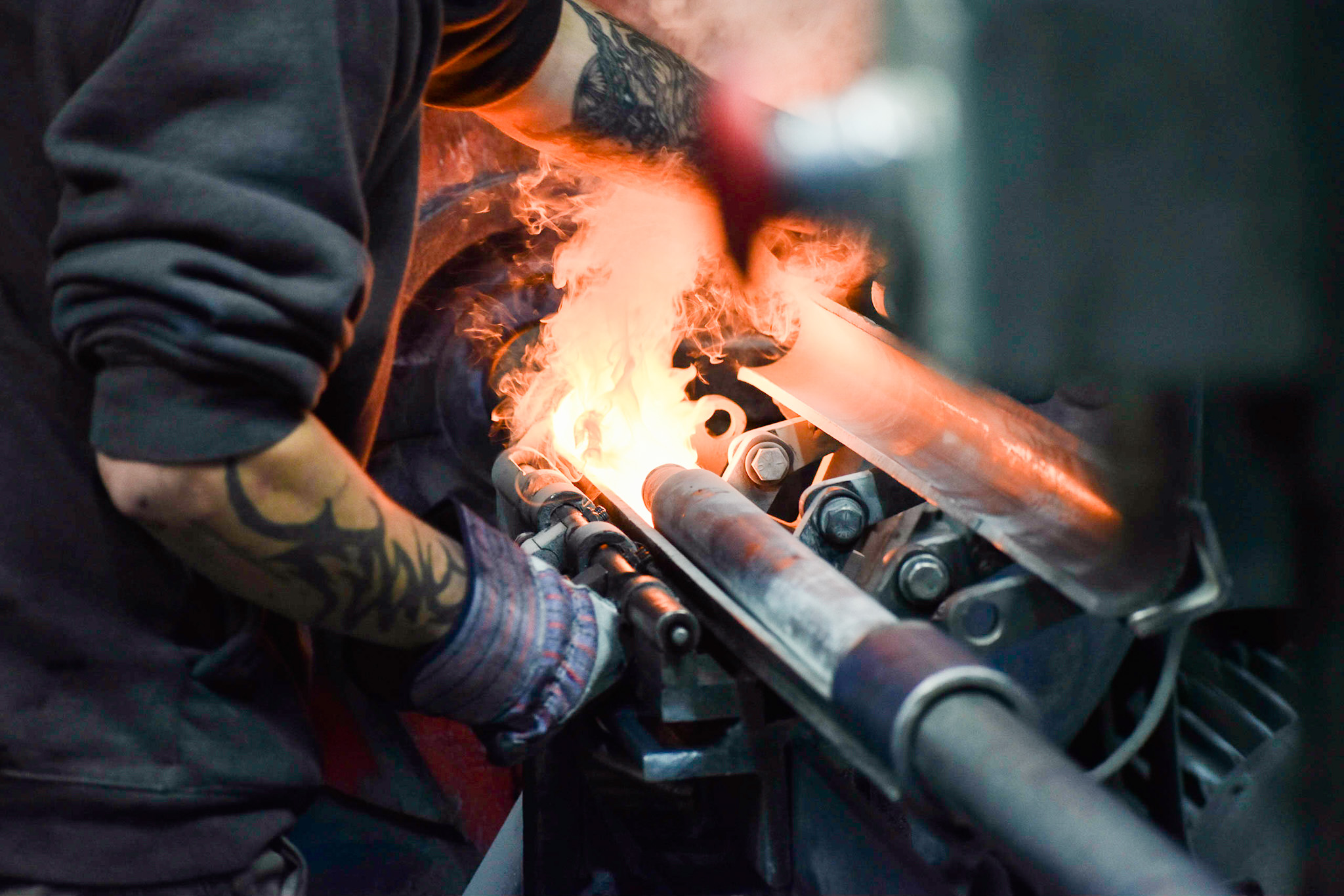 A photo of a metal worker from Elmet Technologies