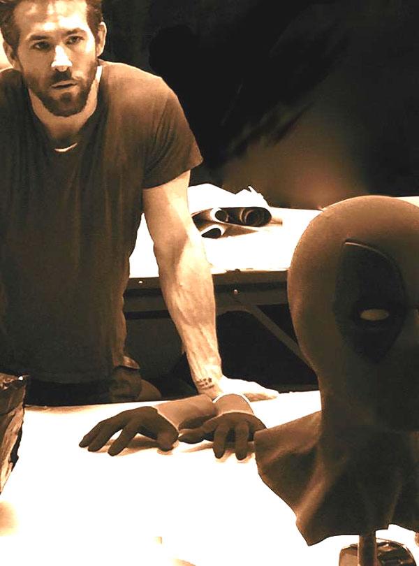 ryan reynolds deadpool mask