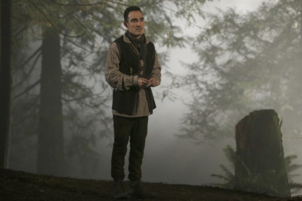 the-author-on-the-run-once-upon-a-time-s4e18