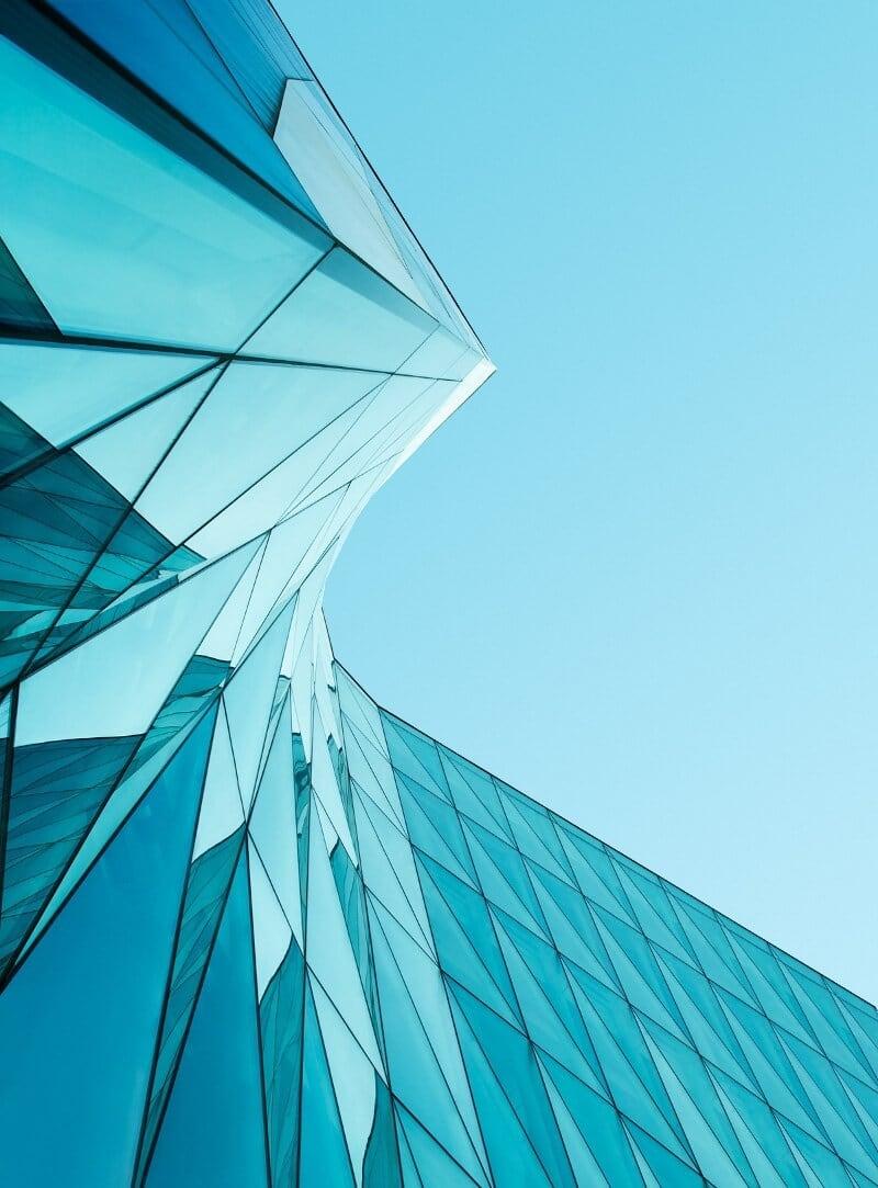 Группа компаний «Оверон» олицетворяет собой удачный пример использования бизнес-портфеля, ориентированного на региональное лидерство в целой строительной отрасли, а именно светопрозрачных конструкций. В состав группы входят компании «Профкомплект», «Босфор», «Створ», «Росслав», «Окна Большой Страны». Холдинг «Оверон» насчитывает 3 производства, 12 межрегиональных складов, 40 офисов продаж, где работают более 800 человек. Подразделения Группы компаний расположены почти во всех субъектах ЮФО и СКФО.