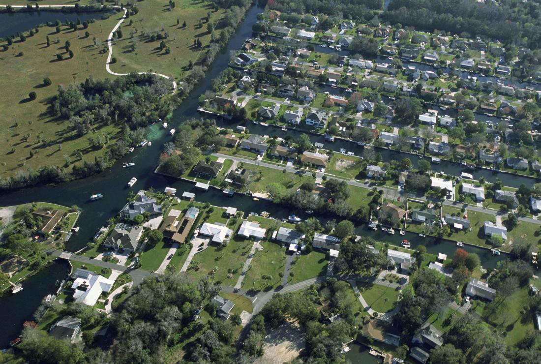 An_aerial_view_of_urban_sprawl_population_density