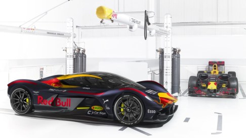 The AM-RB 001 was developed in partnership between Aston Martin and the Red Bull F1 team, so we thought it the perfect supercar (hypercar) to show off the stunning matte blue Red Bull livery.