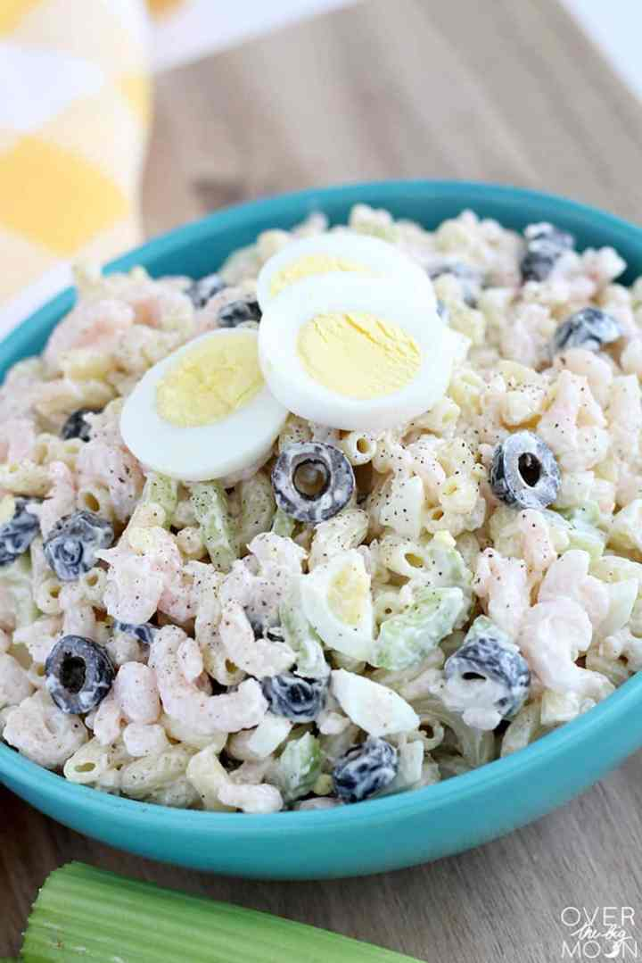 Easy Macaroni and Shrimp Salad -- this salad is THE BEST and so easy to put together! From overthebigmoon.com!