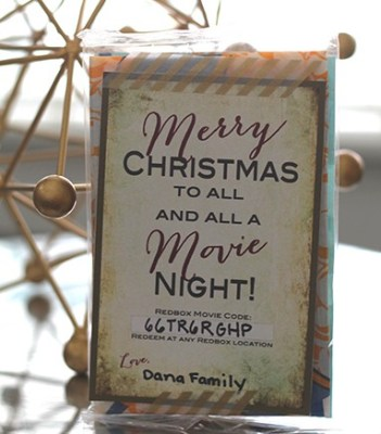 Redbox Movie Night Gift Tag - perfect gift for teachers, neighbors, friends and more! From overthebigmoon.com!