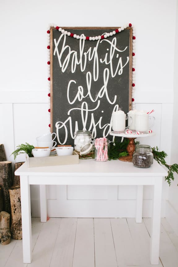 10 Wonderful Winter Porch Decor Ideas | From www.overthebigmoon.com