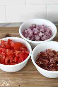 BLT Salad - This is the perfect side salad for a BBQ for party! And the creamy ranch dressing is so tasty! | www.overthebigmoon.com