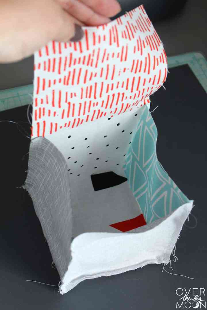 Easy Sew DIY Fabric Baby Blocks! This is such a great beginning sewing project! From www.overthebigmoon.com!