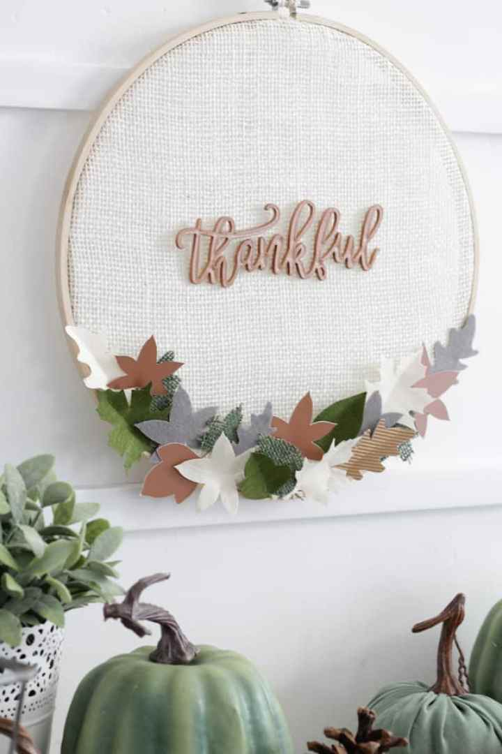 Thanksgiving Letter Board Embroidery Hoops - made using burlap and other materials!