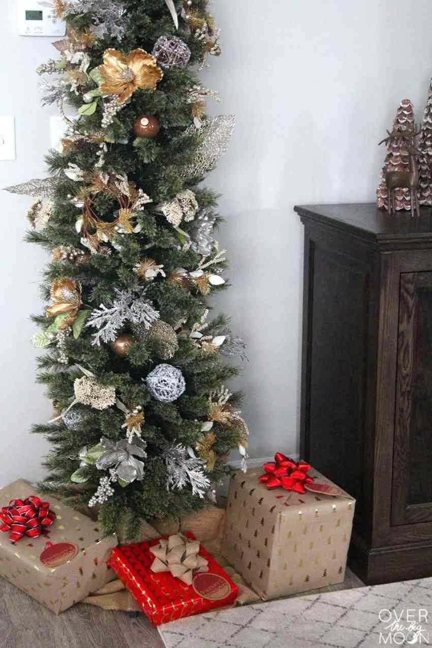 5 Tips for Stress Free Christmas - overthebigmoon.com