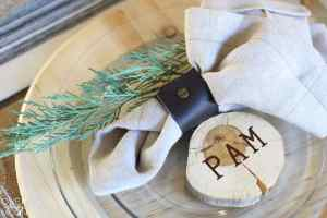Elegant Farmhouse Thanksgiving Place Setting | www.overthebigmoon.com