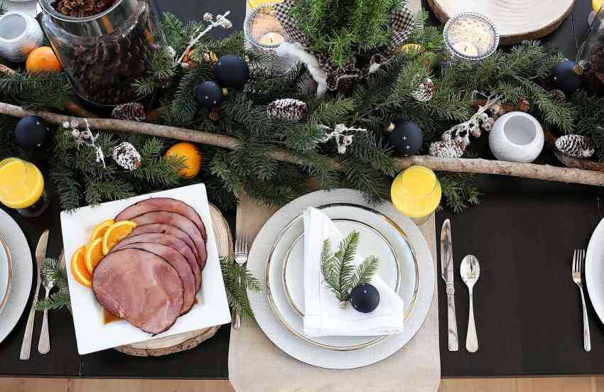 Rustic Christmas Tablescape and Christmas Breakfast for Brunch Menu Ideas from www.overthebigmoon.com