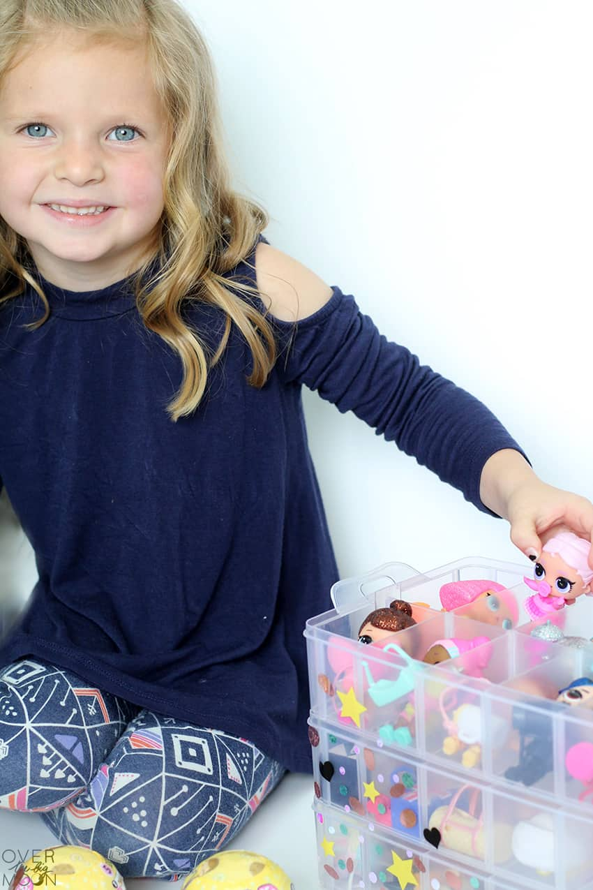 LOL Surprise Doll Organizer that would also work for Hatchimals or Shopkins! From overthebigmoon.com!