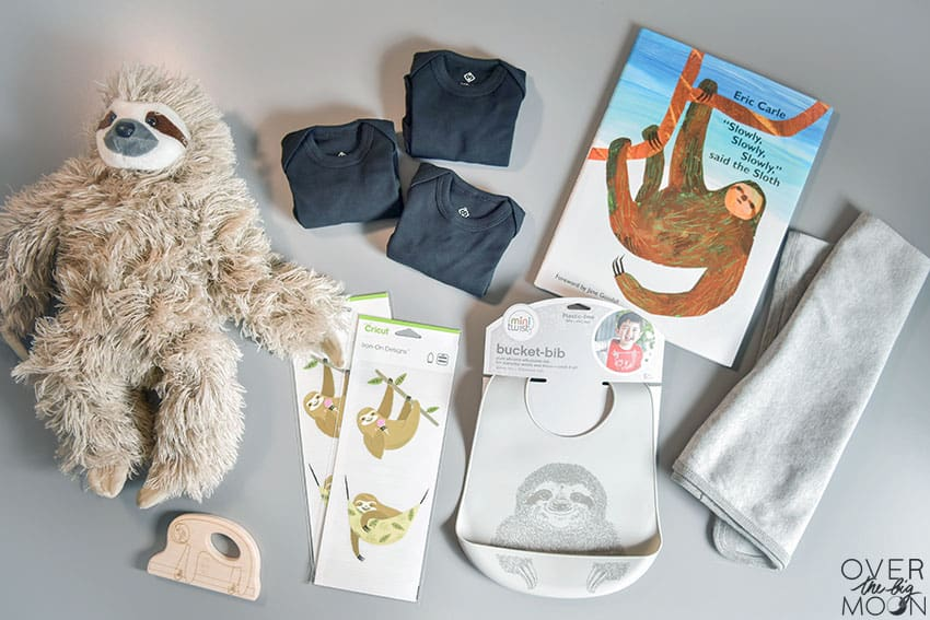 Sloth Baby Bundle - how adorable are all these sloth items? Throw them in a gift basket for the perfect baby gift! From overthebigmoon.com!