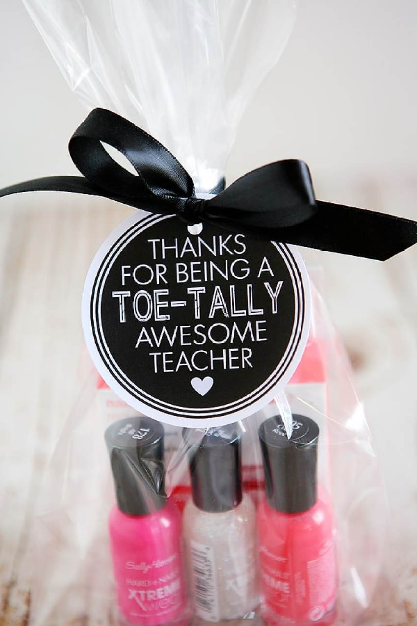 50+ Last Day of School Teacher Gift Ideas from overthebigmoon.com!