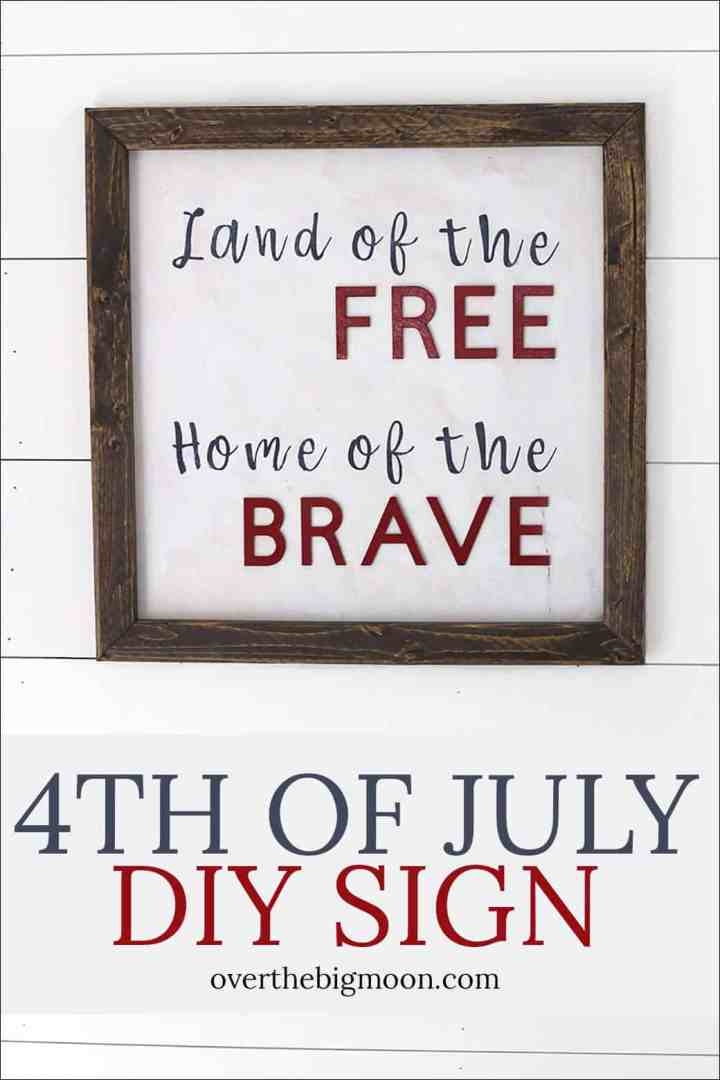 A fun 4th of July DIY Board - the perfect way to celebrate the 4th of July! From overthebigmoon.com!