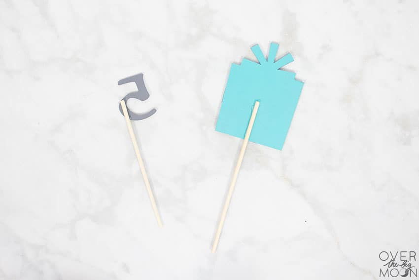 Dowels added to create the Cake Topper! From overthebigmoon.com!
