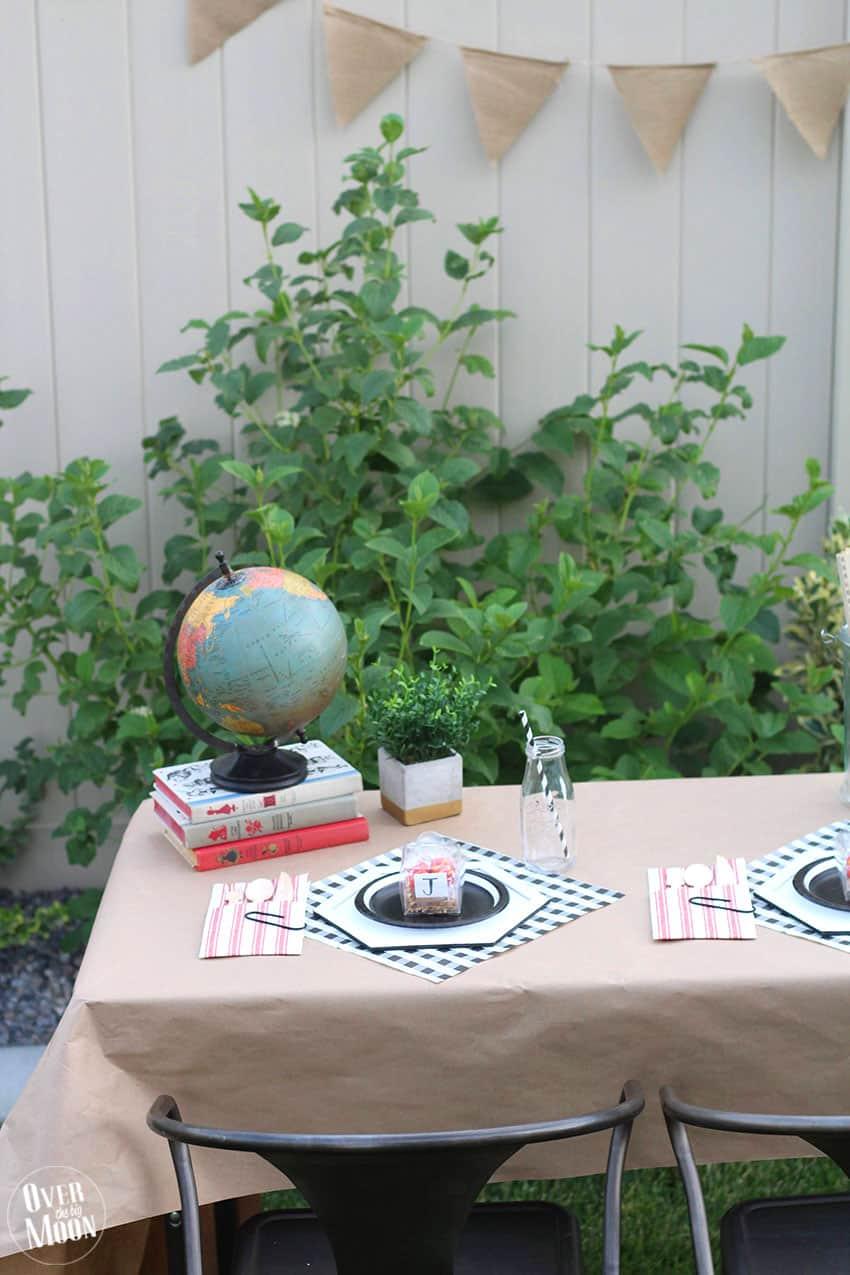 Back to School Breakfast Table from overthebigmoon.com!