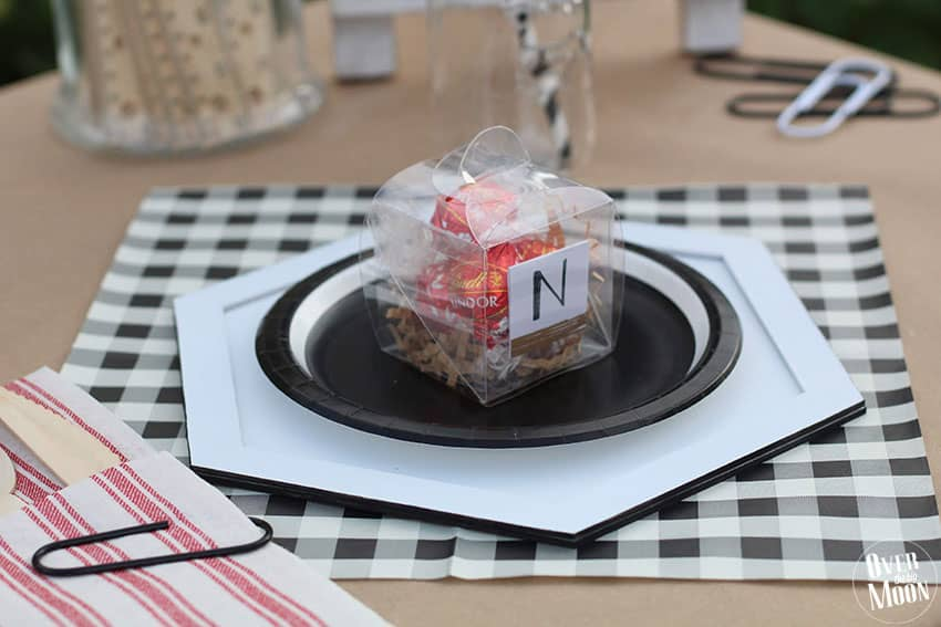 Fun idea for a DIY place setting! From overthebigmoon.com!