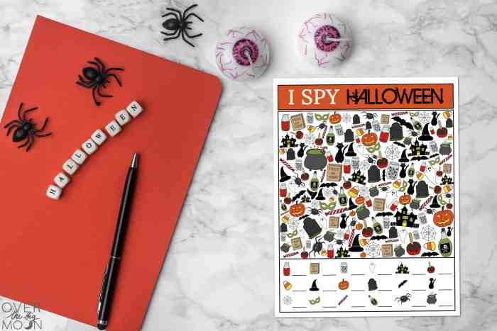 Printable Halloween I Spy Game - perfect for a kids activity, classroom party or party game! From overthebigmoon.com!