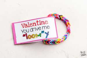 Pink Loom Bracelet Valentine w/ printable tag! From overthebigmoon.com!